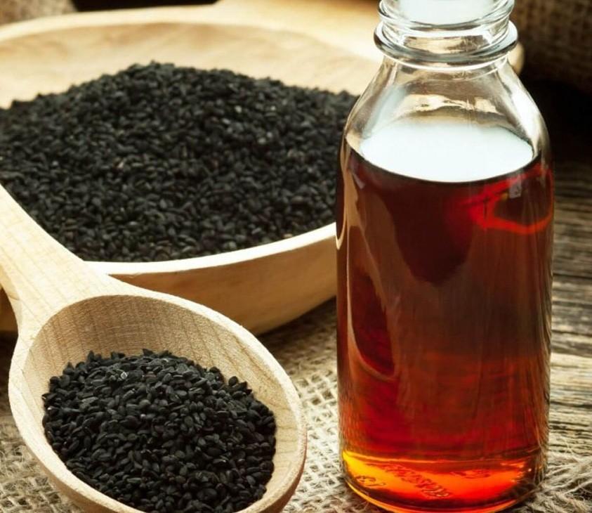 فوائد زيت حبة البركة فى علاج الشعر والبشرة والجسم