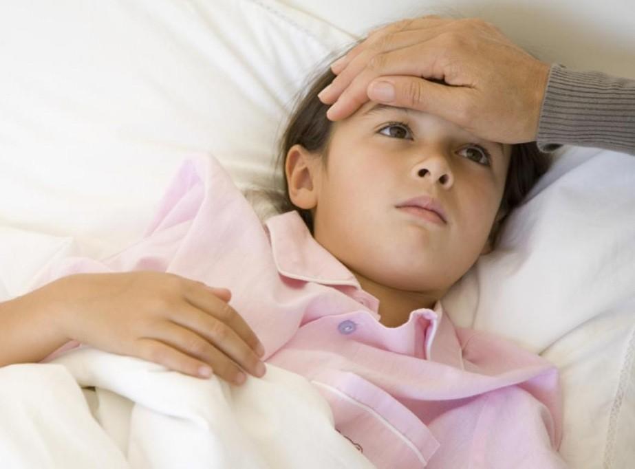 الحمى وأعراض وعلامات الإصابة بها وكيفية علاجها
