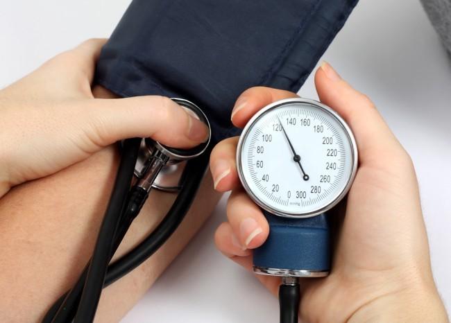 Photo of علاج الضغط المرتفع بالاعشاب نهائيا ونصائح هامة لمرضي الضغط