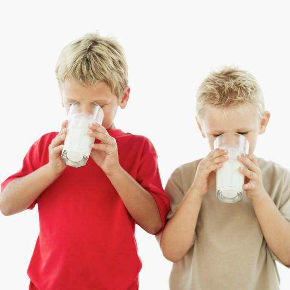 فوائد الحليب للاطفال