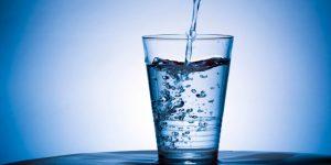 فوائد شرب الماء قبل النوم