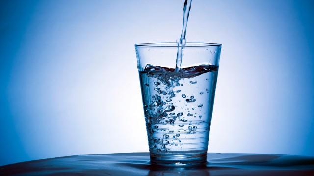 Photo of فوائد شرب الماء قبل النوم ستندهش من كثرة الفوائد التي ستعرفها لأول مرة