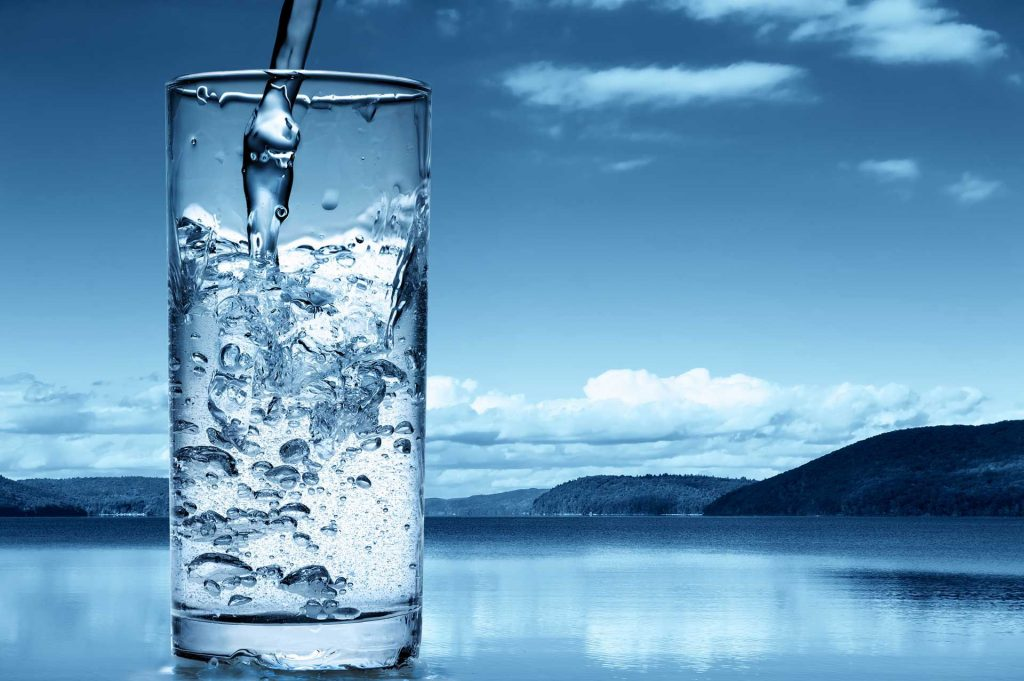 Photo of اضرار شرب الماء بكثرة على الصحة والجسم