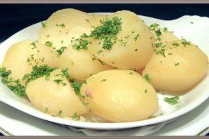 فوائد البطاطس المسلوقة