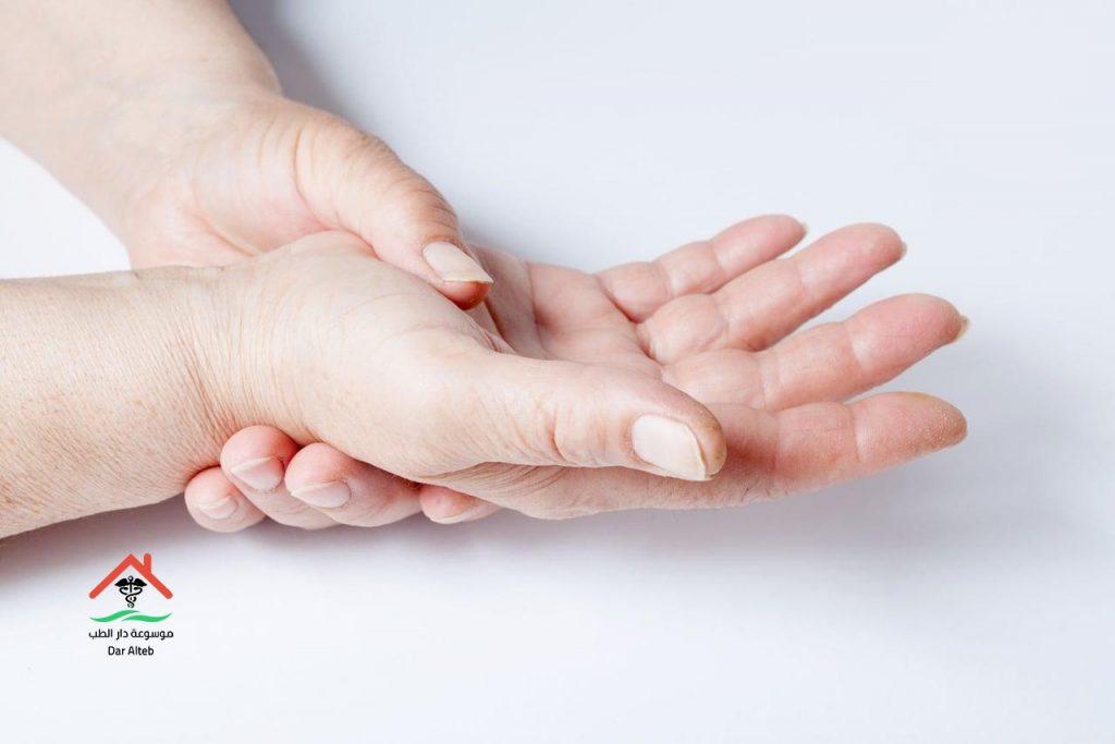 ما هي اعراض الروماتويد