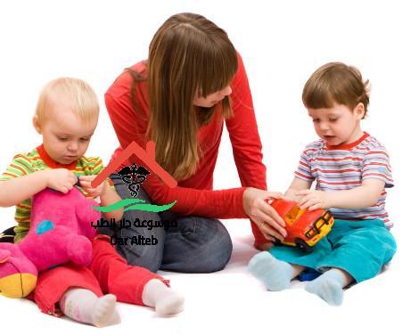 Photo of متى يبدأ الطفل بالتقلب ومتى يبدا الطفل الجلوس